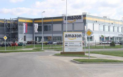 Amazon zvýši svojim zamestnancom od augusta platy o niekoľko percent