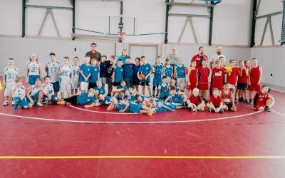 V basketbalovej Mikrolige je každý víťazom a preto to deti tak baví. Sereď nastúpila proti veľkým mestám