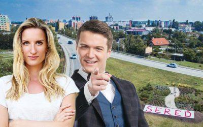 Adela a Viktor Vinczeoví vás budú baviť ako herci. Už tento pondelok sa v Seredi predstavia s hrou Odchody vlakov