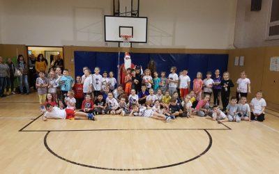 Deťom pripravili nezabudnuteľný mikulášsky deň plný športových súťaží
