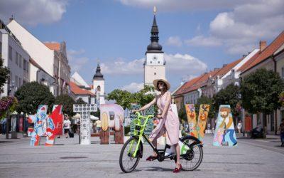 Seredčania, využívali by ste zdieľané elektrobicykle aj v našom meste? Trnava spustila obľúbený bikesharing