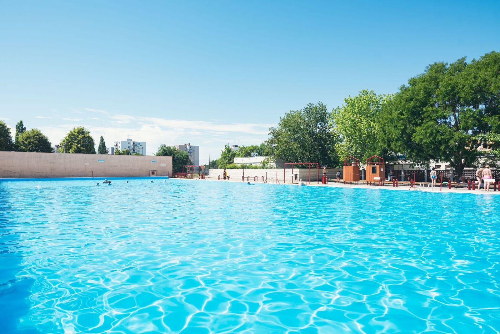 bd8599d6c Ak nemáte na záhrade bazén, nezúfajte. Pozrite sa, kam sa môžete ...