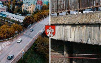 """Železničný most vSeredi """"obalia"""" do oceľovej konštrukcie"""