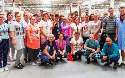 Logistické centrum Amazon v Seredi venovalo 28 000 eur na podporu detských onkologických pacientov v rámci kampane Amazon Goes Gold