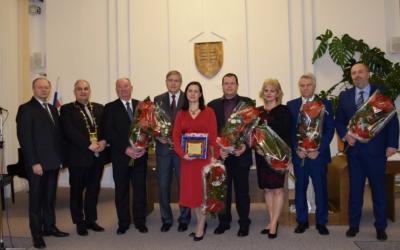 Predstavujeme vám Seredčanov, ktorí získali cenu mesta a čestné občianstvo. Prečítajte si ich príbehy
