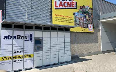 V Seredi pri Kauflande pribudol nový AlzaBox. Vyskúšali ste už tento spôsob vyzdvihnutia objednaného tovaru?