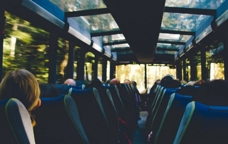 Rodiny s deťmi budú môcť v lete cestovať autobusom len za 1 euro. Akcia platí iba pre Trnavský kraj