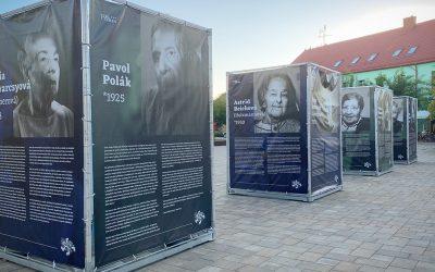 """Putovná výstava """"Po druhej svetovej vojne"""" je odvčera sprístupnená na Námestí slobody v Seredi"""