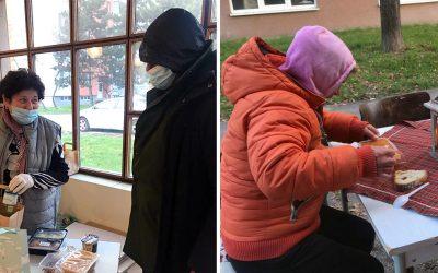 Farská charita v Seredi prekvapila svojich návštevníkov slávnostným jedlom. Vďaka dm drogérii sa pomohlo ľuďom v núdzi