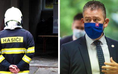 Nasadenie seredských policajtov a hasičov ocenil Minister vnútra SR. Na uniforme im pribudne nový odznak