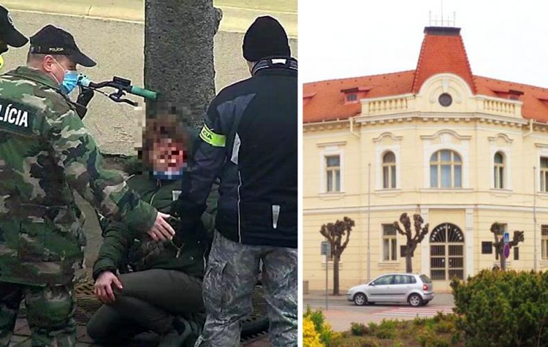 Polícia bola v správnom čase na správnom mieste. Pomohli zakrvavenej cyklistke pred mestským úradom