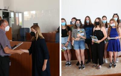Na mestskom úrade sa konalo Oceňovanie žiakov a študentov seredských škôl. Ktorí žiaci úspešne reprezentovali naše mesto?