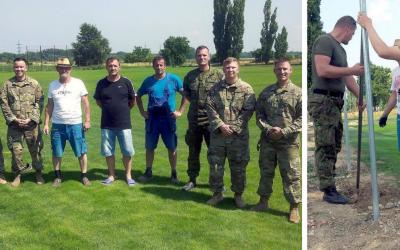 Ihrisko v Seredi pomáhal budovať americký styčný tím. Ako dobrovoľníci sa zapojili do kampane na ochranu životného prostredia a podporu rozvoja mesta