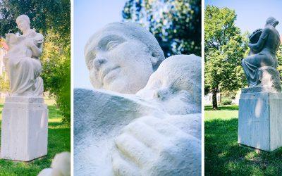 V Madona parku na Čepenskej ulici stojí zreštaurovaná socha Matky s dieťaťom. Sôch, ktoré potrebujú obnovu, je v našom meste viac