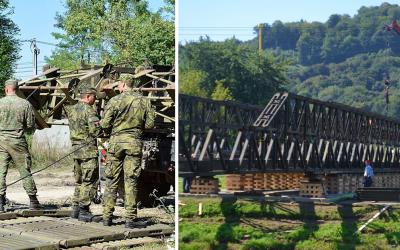 Seredskí vojaci pomáhajú pri prípravách na návštevu Svätého Otca v Prešove. V týchto dňoch dokončujú stavbu pontónového mosta